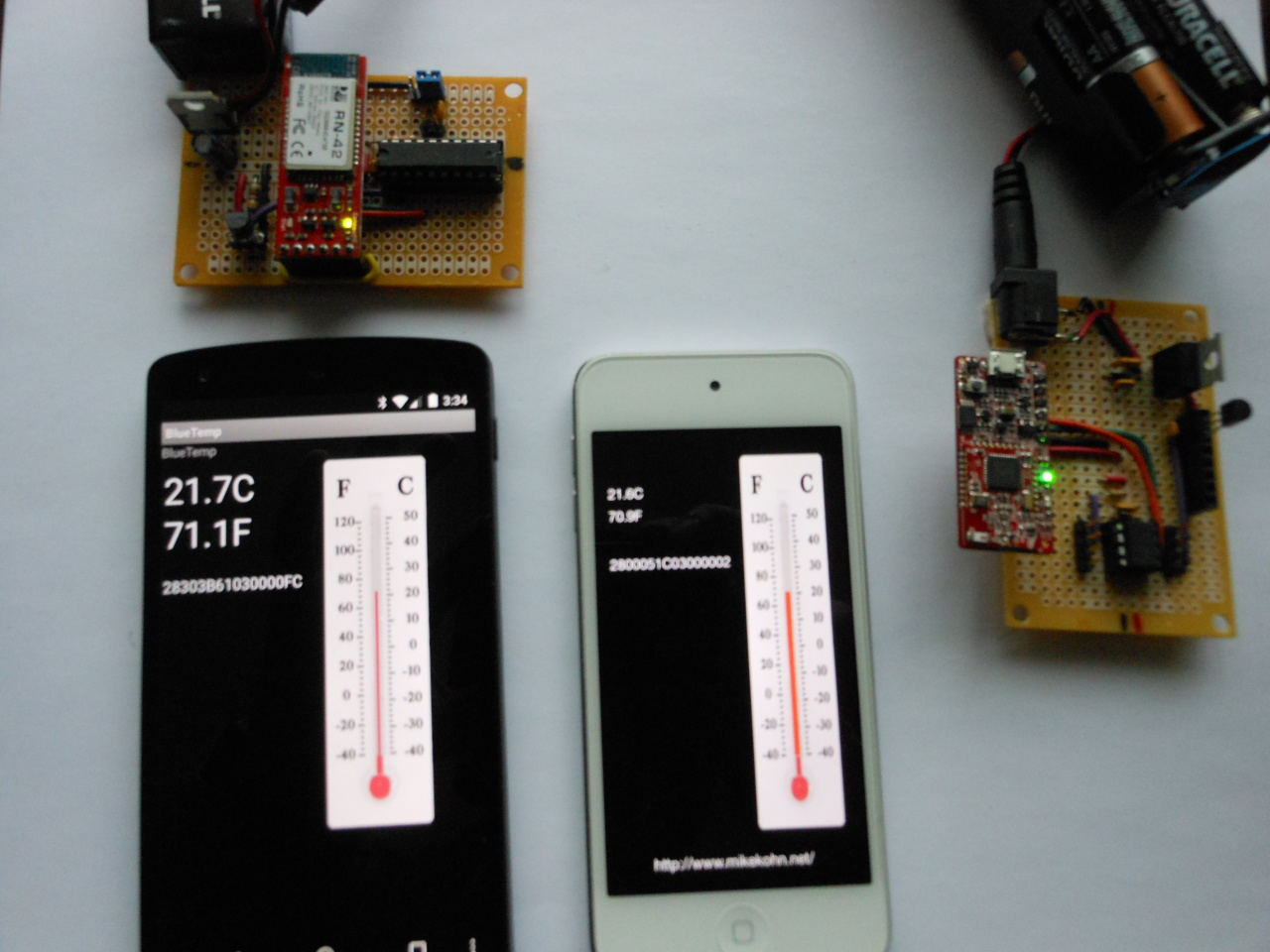 Michael Kohn Bluetooth Thermometer Bluetoothcircuit Nexus 5 And Ipod Touch Running Apps