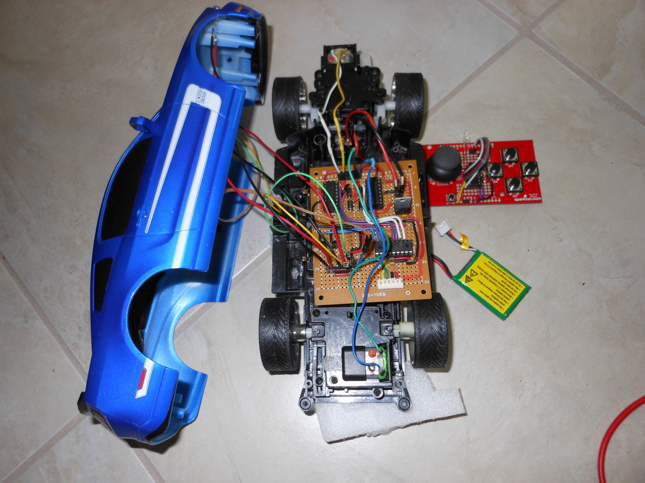 Sst28sf040 further Atmega16 Microcontroller also Small Camera 697320 furthermore Circuitssmps moreover Ir toy car dspic. on electronic flash circuit